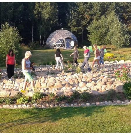 Energetinių labirintų ir geometrinių figūrų parkas Plungės rajone
